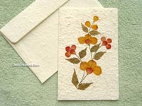 SAACA-BFL106 Saa paper greeting card decorated with dried flowers - manufacturer, exporter, wholesale directly from Thailand