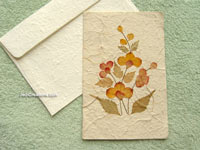 SAACA-BFL107 Saa paper greeting card decorated with dried flowers - manufacturer, exporter, wholesale directly from Thailand