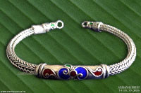 Wholesale silver bracelets & necklaces, manufacturer artisans, wholesale direct from Thailand