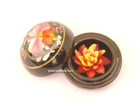 Carved soap flower in lacquered mango wood container SOAPFL-ML101 small, manufacturer, exporter, wholesale supplier directly from Thailand